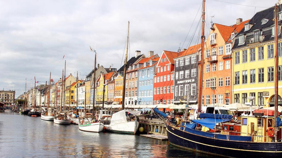Picture of the harbor in Copenhagen, Denmark