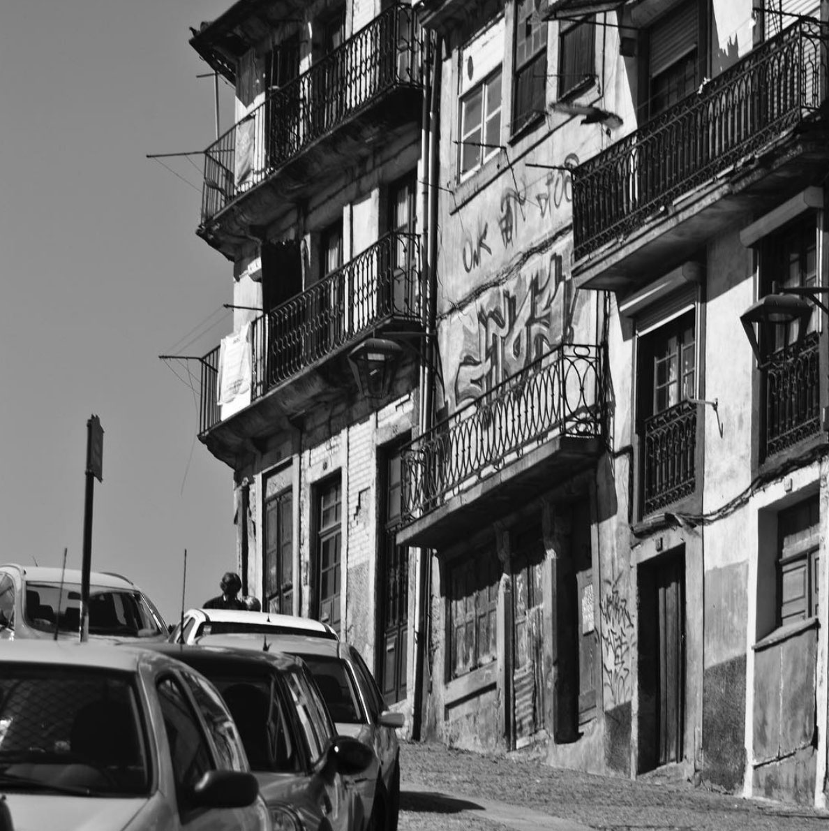 Picture of the details on the streets of Porto, Portugal