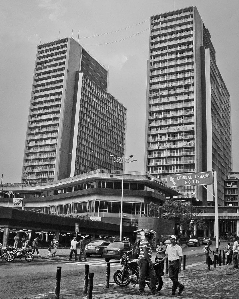 Las torres del silencio, Caracas, Venezuela