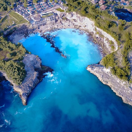 Blue Lagoon on Nusa Ceningan Indonesia