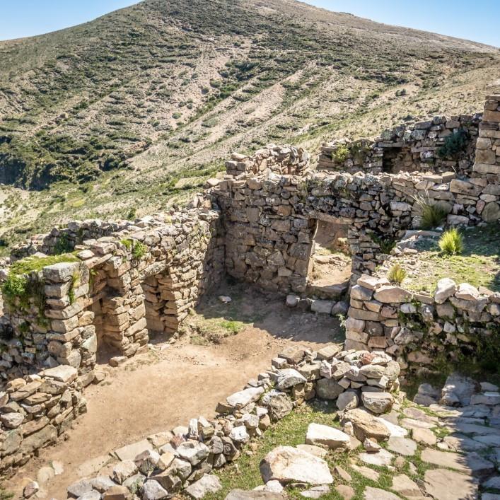 Isla del sol inca ruins bolivia