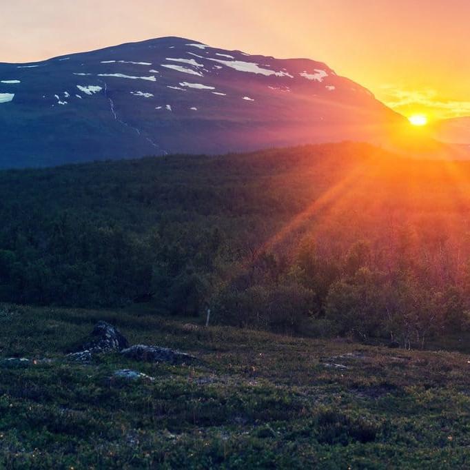 midnight sun sweden