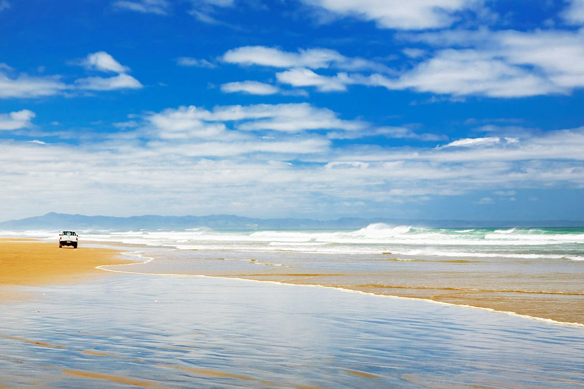 90 miles beach New zealand Oceania travel guide