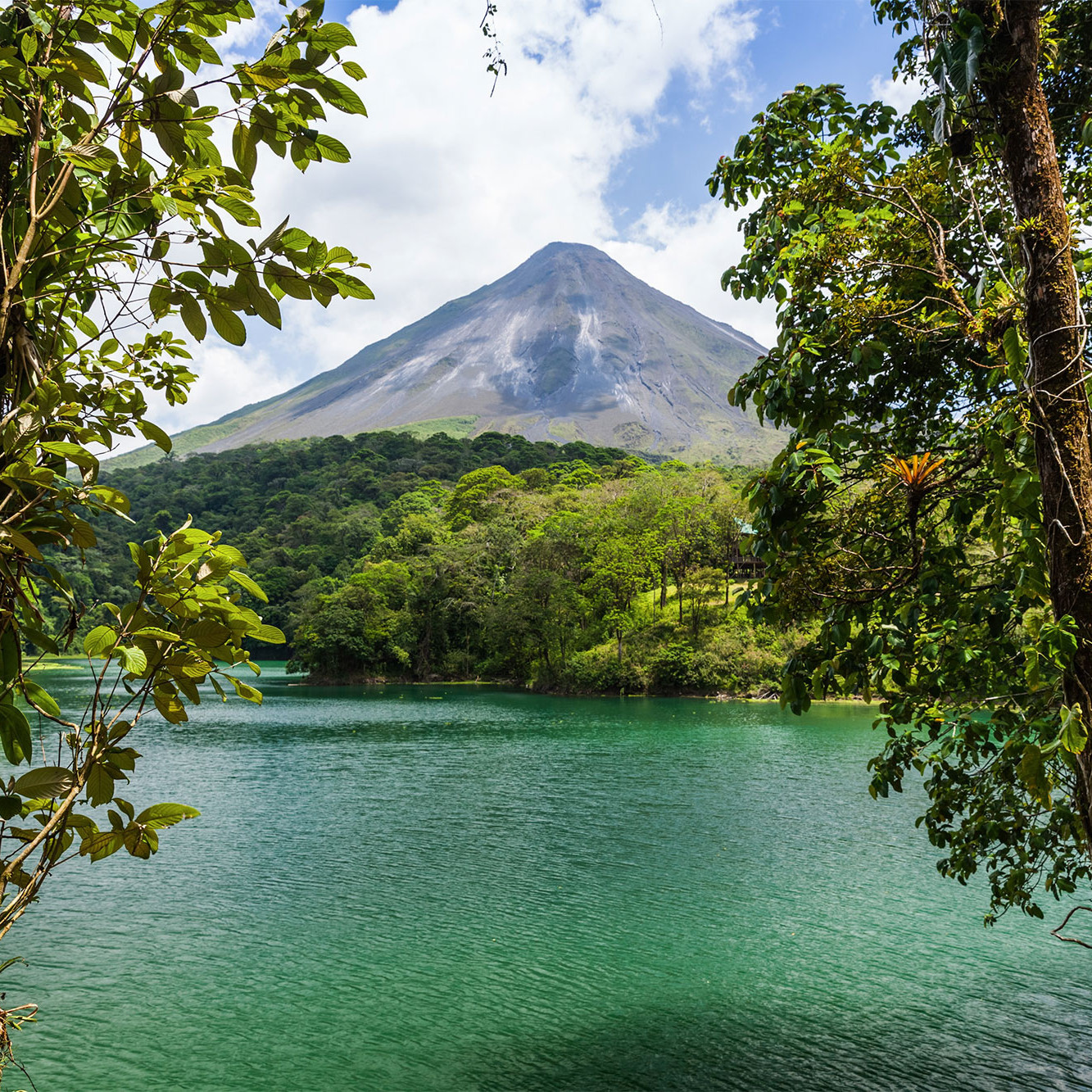 Arenal volcano costa rica central america travel guide