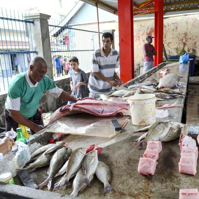 Sir Selwyn market the seychelles