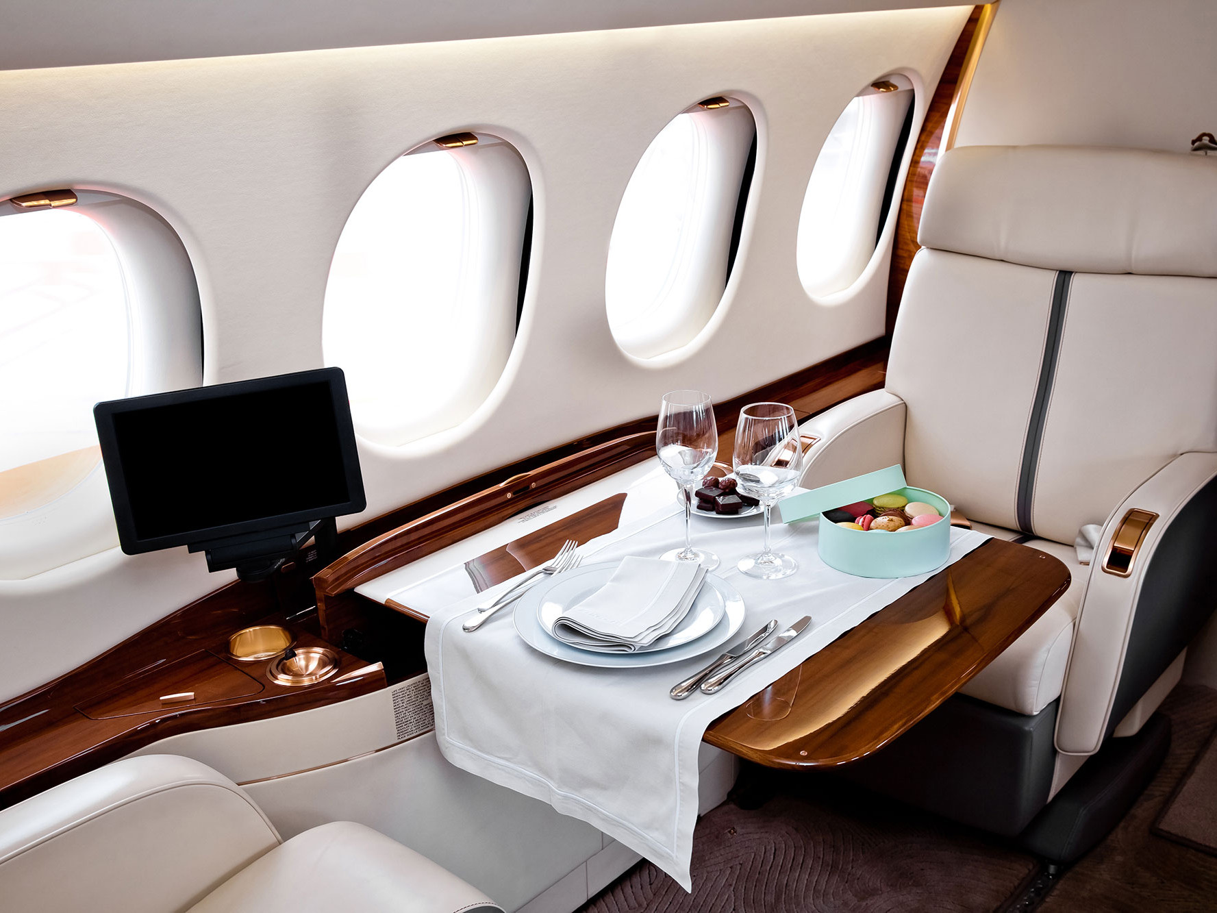 The Differences Between Flying First Class and Flying Private